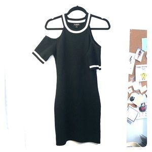 Truehitt cold shoulder black and white dress M